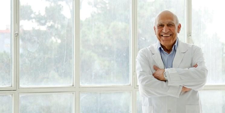 سرطان شناس ایرانی با بیش از 6 هزار پیوند مغز استخوان در جهان